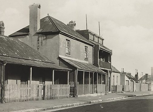 An image of Old Sydney (cottage) by Henri Mallard